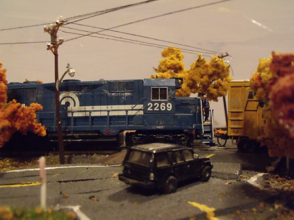 A scene from my last small layout. Even though it was small, it still was enjoyable and realistic